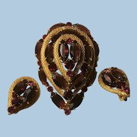 Large Red and Purple Domed Brooch, Earrings Rhinestones Wrapped in Gold Colored Mesh