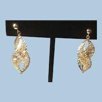 Gorgeous 14 Karat Yellow Gold Diamond Cut Filigree Pierced Drop Earrings 14K.