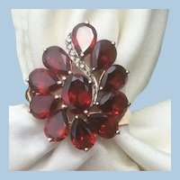 Gorgeous 10K Yellow Gold Large Garnet Cluster Ring Diamond Accents Size 8.5
