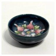 Small Moorcroft bowl – columbine pattern