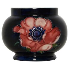 Small Early Moorcroft Vase – Anenome Pattern