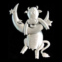 TCHOTCHKE:  JJ Pin - Cow jumped over the moon