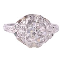 1.05 Carat Center Diamond Platinum Engagement Ring