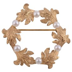 Cultured Pearl Leaf Motif Circular Pin