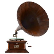 Victor Model IV Gramophone