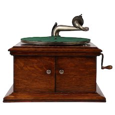 Victor Talking Machine Table Model VV-VI