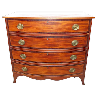 Antique American Federal Mahogany Chest Of Drawers Circa 1800