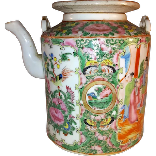 Antique Chinese Export Rose Medallion Porcelain Teapot 19th Century