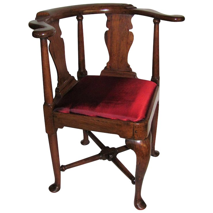 Antique English or American Queen Anne Walnut Corner Chair Circa 1730 - Antique English Or American Queen Anne Walnut Corner Chair Circa