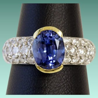 Divine Tanzanite and Diamond Ring in 18K Gold