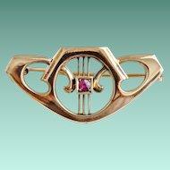 Sweet Art Nouveau Brooch with Ruby in 14K Gold