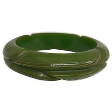Bakelite Bangle Bracelet Carved & Chunky in Green