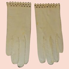 Vintage Kid Leather Ecru Ladies Gloves With Black Trim Edging