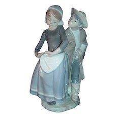 Lladro Figurine Boy Meets Girl #1188