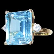 14 K Gold 10 Carat, Emerald Cut Light Blue Topaz Ring-8 1/2