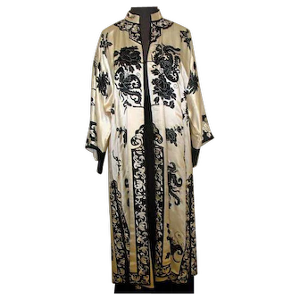 Antique Chinese Hand Stitched &  Embroidered Silk Robe