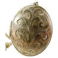 "Large Vintage OVAL Silver LOCKET Opens 1975 With 23"" Silver CHAIN"