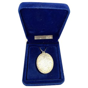 Vintage 1977 QE11 SILVER JUBILEE Necklace Fitted Box