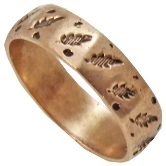 Victorian 9-10K Rose Gold Chased Leaves Baby/Child's Ring