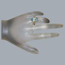 18K  Aquamarine Ring