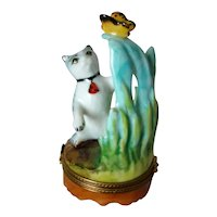 LIMOGES France Hand Painted Peint Main Cat Batting Butterfly TRINKET BOX