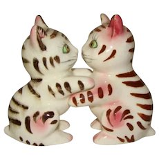 Vintage Hand Painted Pottery KISSING KITTY CAT Salt Pepper Shakers JAPAN