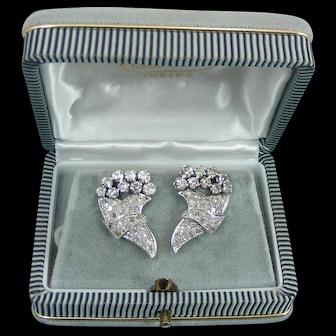 A Pair of Art Decò Platinum 2.5 Ct. Diamonds Stud Earrings. C 1930