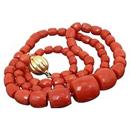 Vintage Red Italian Coral Graduated Faceted Barrels Necklace 69 Gr. Italy 1970's