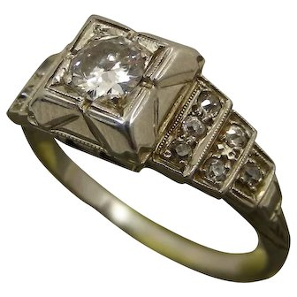Art Decò Old European .30ct Diamond Engagement Ring 18K. 1920