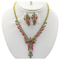 Vintage Juliana Peridot Green Fuchsia Pink Flat Backed Rhinestone Necklace Earrings Demi Parure Book Reference