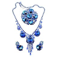 Vintage Juliana (D and E) Bermuda Blue Rivoli Rhinestone Necklace, Brooch and Earrings Parure
