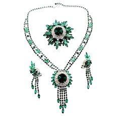 Vintage Juliana Emerald Green Rivoli Rhinestone Necklace, Brooch and Earrings Parure