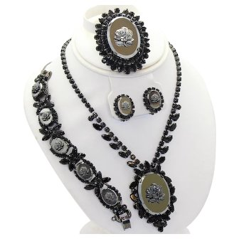 Vintage Juliana Hematite Rose Cameo Black Rhinestone Necklace Bracelet Brooch Earrings Grand Parure Book Piece
