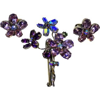 Vintage SCHREINER Lavender Purple AB Rhinestone Flower Bouquet Brooch Earrings Demi Parure