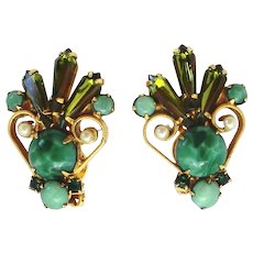 Vintage Juliana Faux Pearl Jade Cabochon Olivine Green Pentagon Spear Rhinestone S Scroll Earrings