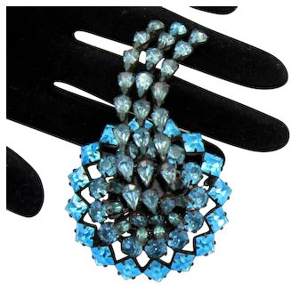 Vintage Schreiner Aqua Blue Rhinestone Dimensional Brooch
