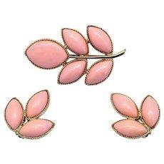 Vintage Juliana Pink Heat Formed Plastic Cabochon Leaf Brooch Earrings Demi Parure Book Piece