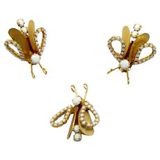 Vintage Juliana White Milk Glass Rhinestone Metal Winged Moth Bug Brooch Earrings Demi Parure