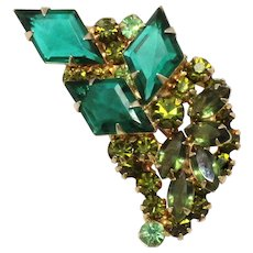 Vintage Juliana Green Olivine Diamond Shaped Rhinestone Brooch
