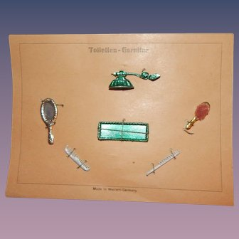 Wonderful toilette on presentation card perfume comb brush mirror