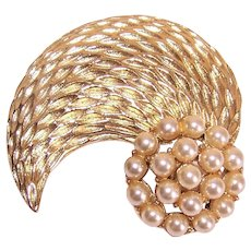Vintage Gold Tone Metal Faux Pearl Costume Pin