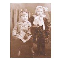 B&W Photo Postcard - 2 Children in Heavy Winter Clothing - Seattle, Wash Photographer