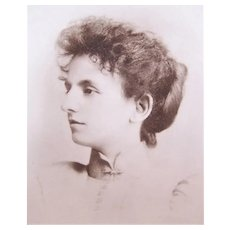 Edwardian B&W Photo of a Young Lady