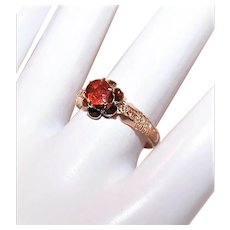Antique Victorian 14K Gold Ring - .50CT Garnet in Buttercup Setting
