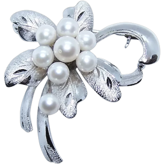 Japan Export Sterling Silver 5mm Cultured Pearl Pin Brooch - Floral Design with Leaves | Wedding Finery