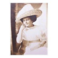 Edwardian Cabinet Card Photo in Original Folder - Lovely Lady in White Eyelet and Lace Hat | Salina Kansas Photographer