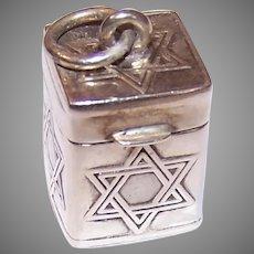 Vintage Sterling Silver Prayer Box Pendant - Jewish Star of David