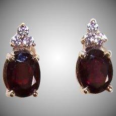 Vintage 14K Gold, 2CT TW Garnet & Cubic Zirconia Pierced Earrings (Studs)!