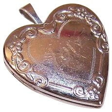 """Vintage STERLING SILVER Heart Locket - Engraved Front """"LOVE""""!"""