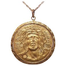 Vintage GOLD TONE Metal Pendant or Medal - Jesus Christ with Wreath of Thorns (Ecce Homo)! - Red Tag Sale Item